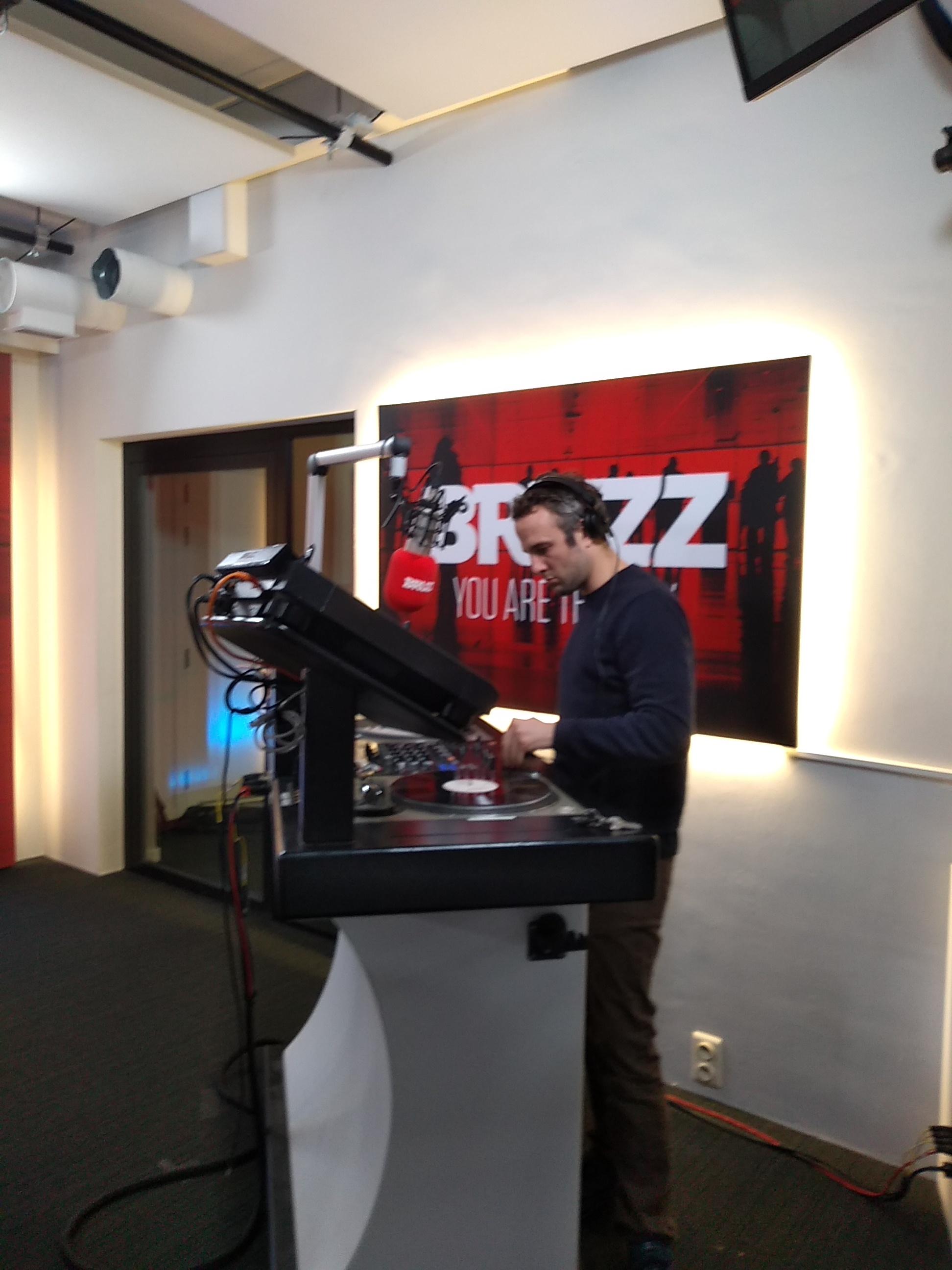 BRUZZ Radio Show | DJ Sofa in the studio.